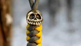 Happy Skull paracord bead