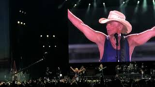 "Download Lagu Kenny Chesney ""Get Along""  4K First live performance 2018 Raymond James Stadium Gratis STAFABAND"