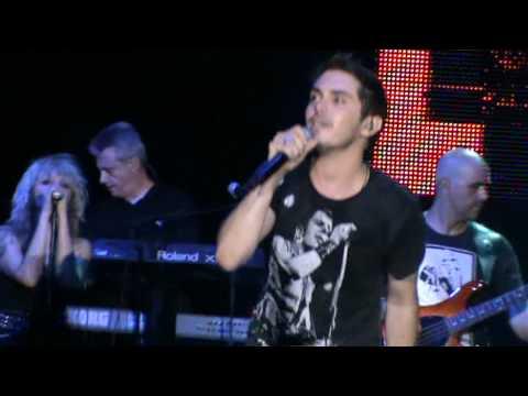 Mixalis Xatzigiannis - An den koitazw esena -Live .mp3
