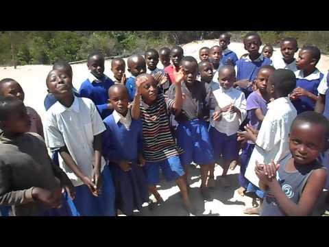 Taita Kids (kenya) Singing mungu Wetu Ni Wa Ajabu video