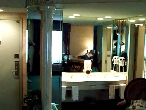Honeymoon Suite At Salvatores Italian Gardens In Buffalo Ny Youtube