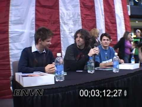 11/11/2006 One Tree Hill Autograph Signing At The Mall Of America