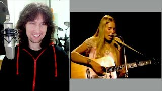British guitarist reacts to Joni Mitchell's ENGAGING one woman show in 1969!