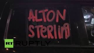 USA: Alton Sterling protesters demand justice outside Baton Rouge police HQ