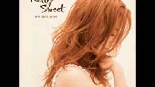 Watch Kelly Sweet Ready For Love video