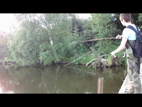 спиннербейт на реке