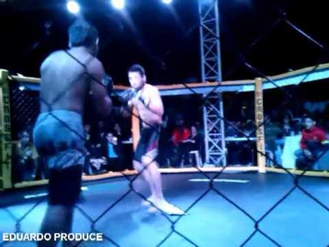 Pelea MMA Artes Marciales Mixtas profesional Honduras Brando Garcia VS Alexis Reyes