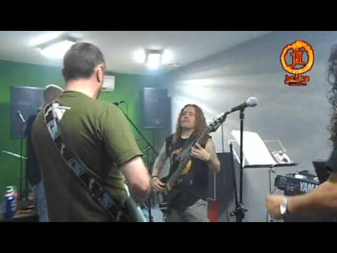 Burn (Deep Purple) - Ensayo de José Andrëa y Uróboros REVIROCK 15/05/2013 (Video 3)