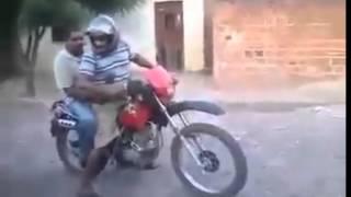 Borrachos En Moto Caida - Jajajajajaja