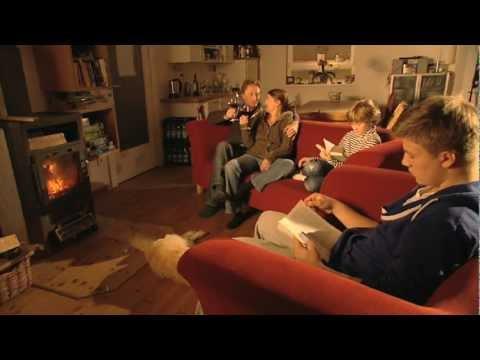 test kaminofen und pelletofen youtube. Black Bedroom Furniture Sets. Home Design Ideas
