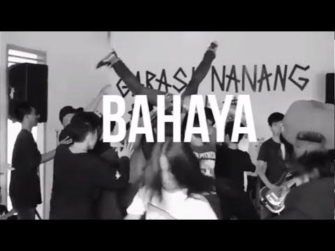 CRAZY MONKEY - Serigala Malam (Official Lyric Video)