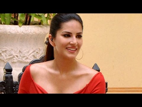 Sunny Leone Hot Scene In A Kollywood Movie 'vada Curry' - Bollywood News video