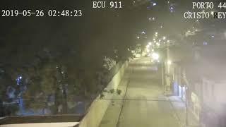 Hệ thống camera an ninh thu hình quay lại được toàn bộ diễn biến của trận động đất ở Ecuador