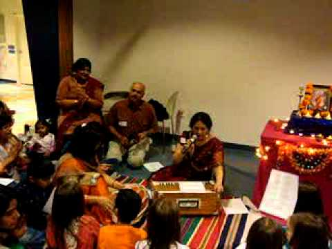 OMSATSANG-Lata Mundkur-Om Jai Jagdish Hare recital at Childrens...