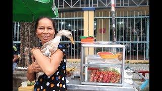 Chuyện lạ Việt Nam: Chú vịt biết nũng nịu, ghiền ăn nước đá và theo cô chủ bán trái cây dạo