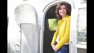 Watch Amy Grant Turn Your Eyes Upon Jesus video
