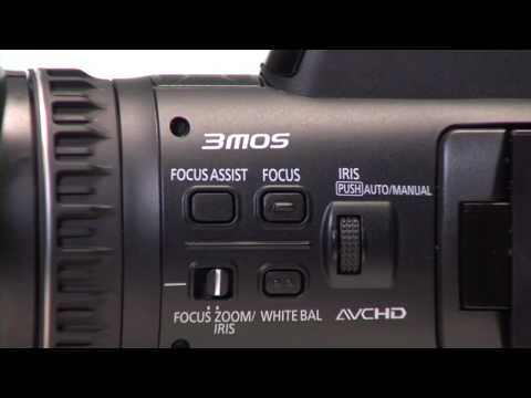 Panasonic AG-AC90 professional camcorder: three CMOS sensors in a