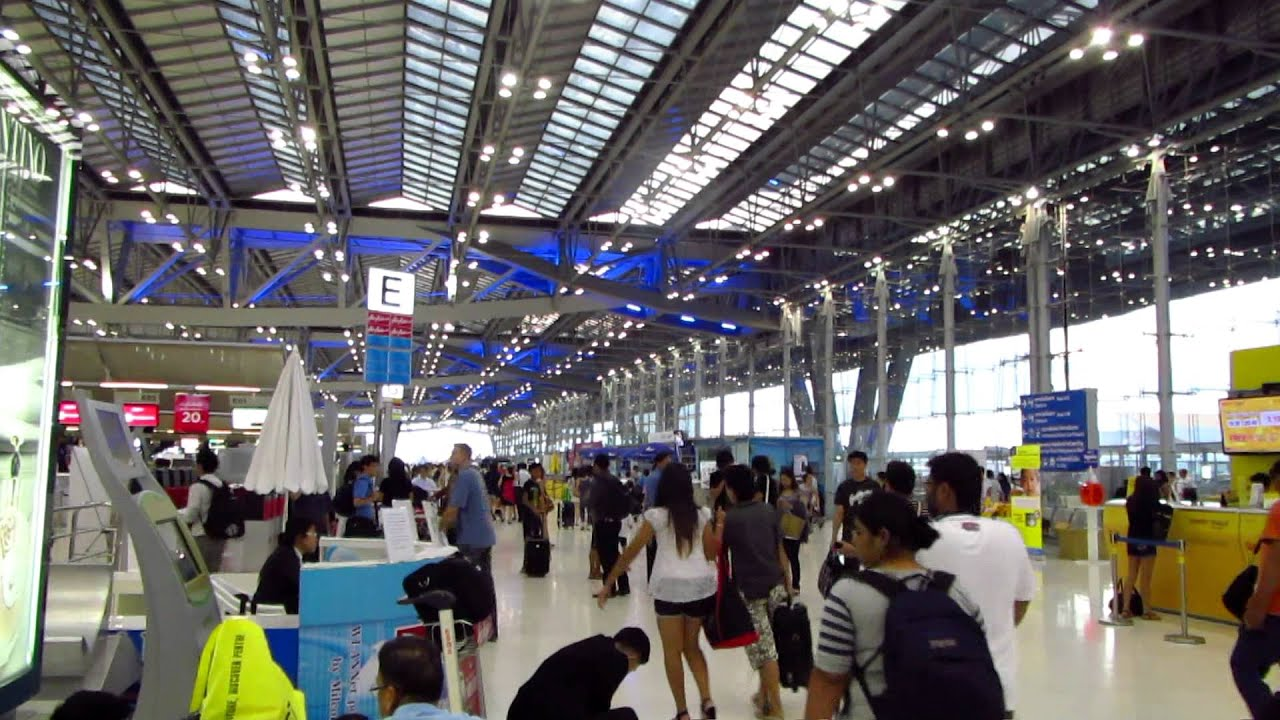 how to get to bangkok from suvarnabhumi airport