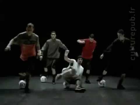 ПРОСТО БОМБЕЗНАЯ реклама НАЙК с футболистами! ритм и бит!