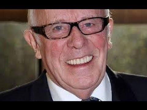 Richard Wilson Interview & Life Story - Gay Time Out Magazine - BBC One Foot In The GRave