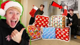 Don't Choose The WRONG Christmas PRESENT Challenge!