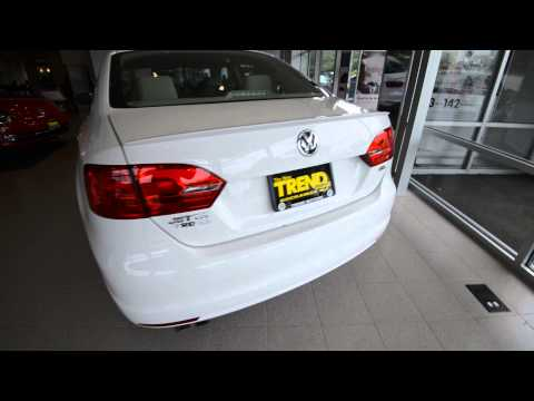 2014 Volkswagen Jetta SEL 1.8T Rearview Camera Car-Net at Trend Motors VW in Rockaway. NJ