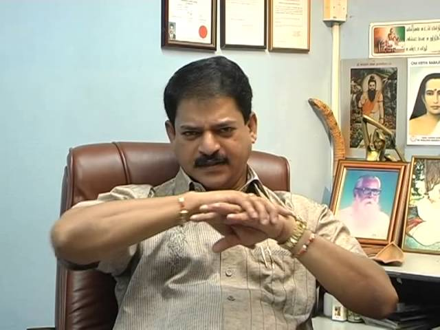 Paarvai - Varma Kalai