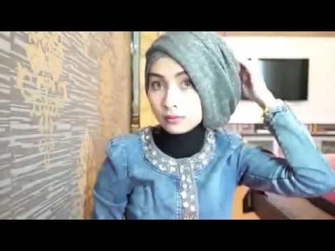 Video jilbab instan untuk wisuda