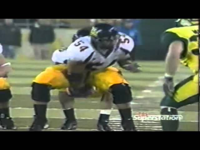 Oregon safety Keith Lewis intercepts a pass vs. Cal to end the game 11-08-03