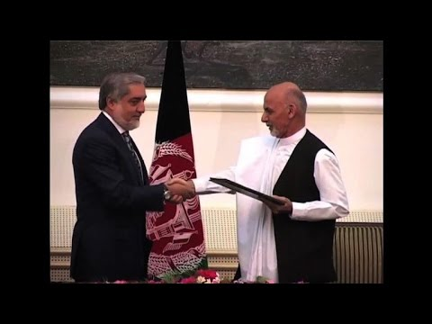 Afghanistan: Ghani et Abdullah signent un accord d'union