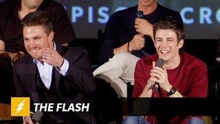 The Flash | ARROW VS FLASH Panel | The CW