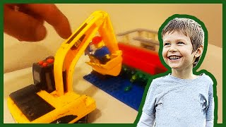 Toy Excavator Demos Lego Set