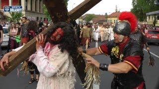 Drumul Crucii refacut in Joia Mare la Brasov