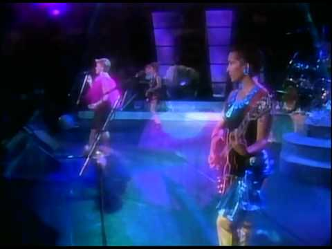 The Go-gos - Forget That Day