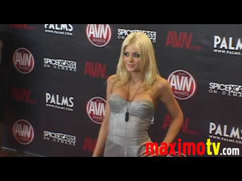 RILEY STEELE Arriving at 2010 AVN AWARDS SHOW Las Vegas January 9 Video