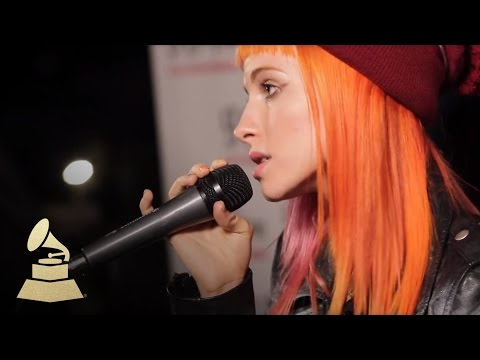 "Paramore Performs ""That's What You Get"""