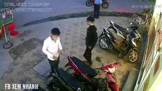 Trộm xe Exciter 150 trước mặt bảo vệ trong một nốt nhạc