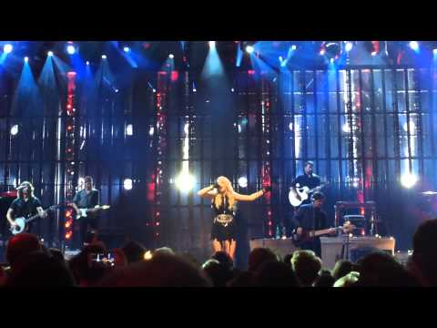 Carrie Underwood - Something In The Water (Apple Music Festival, London)