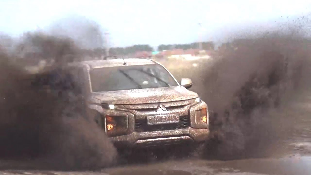2019 Mitsubishi L200. Start Up, Engine, and In Depth Tour.