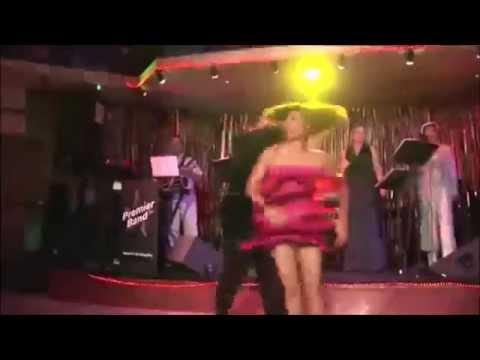 Латиноамериканские танцы, как он её кружит!