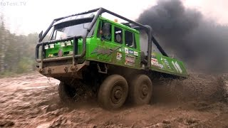 Extrem offroad truck 6x6 in mud - Truck trial