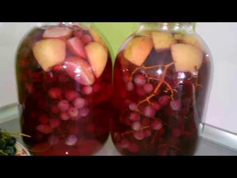 На банку 3 л у меня ушло около 1 кг слив, кисточка винограда, 2 л воды + г сахара (воды немного осталось).