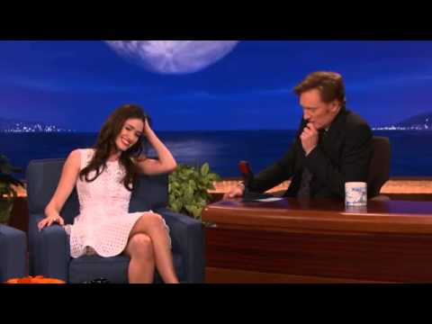 Emmy Rossum on Nude Scenes, Granny Panties