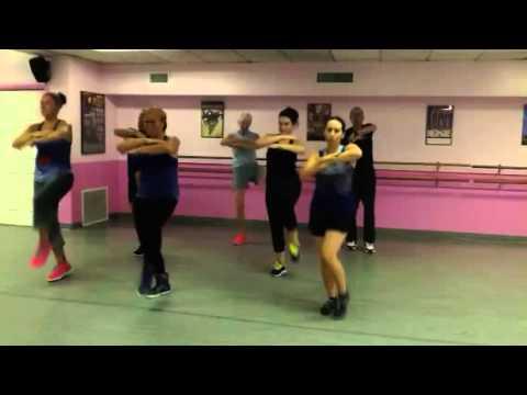Dance Fitness...Chammak Challo By Akon & Hamsika Iyer