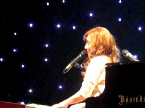 Tori Amos - Horses Live At The Royal Albert Hall video