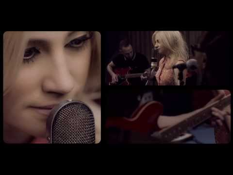 Pixie Lott - Wake Me Up [Live at The Pool]