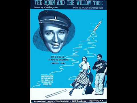 Bing Crosby - Moon Was Yellow