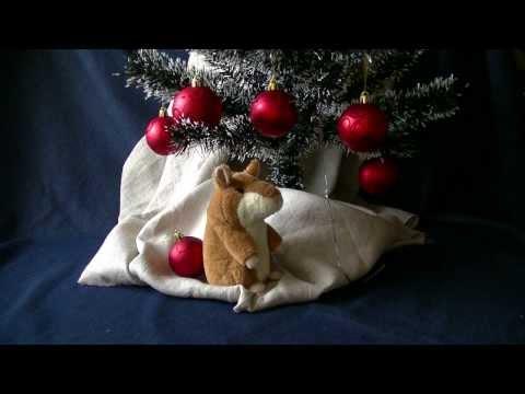 Хомяк-повторюшка читает новогодние стихи детям Красивая ёлка