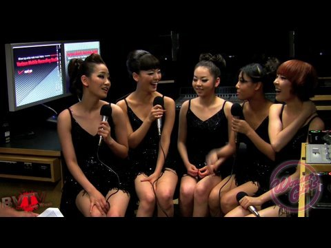 Wonder Girls Interview Backstage at Jonas Brothers World Tour 2009 (English) 원더 걸스 인터뷰