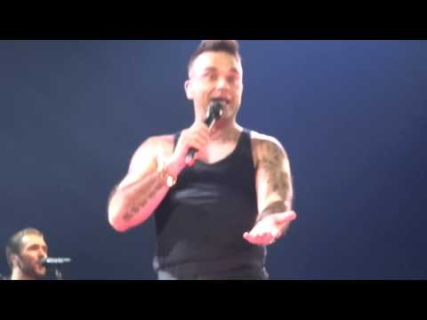 Robbie Williams - Back For Good - 14/10/15 Adelaide HD FRONT ROW